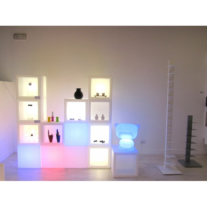 cubo luminoso bianco. Black Bedroom Furniture Sets. Home Design Ideas